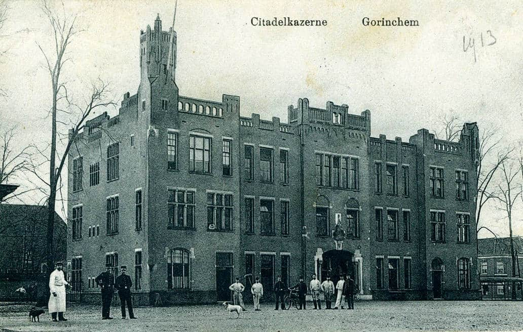 Citadelkazerne op het Kazerneplein te Gorinchem, circa 1913, Regionaal Archief Gorinchem.