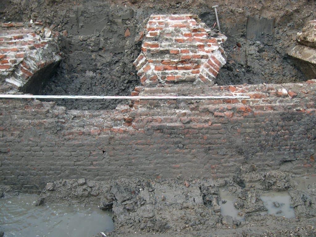De oude stadsmuur gezien vanuit het oosten (spoor nummer 12)