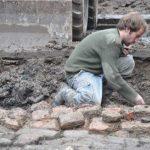 Kloostermoppen in bouwput Bluebandhuis