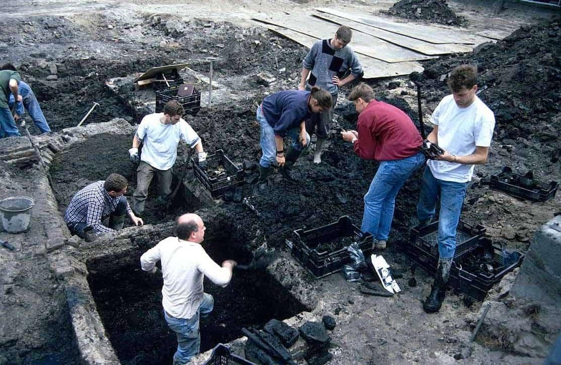 Uitgraven beerkelders