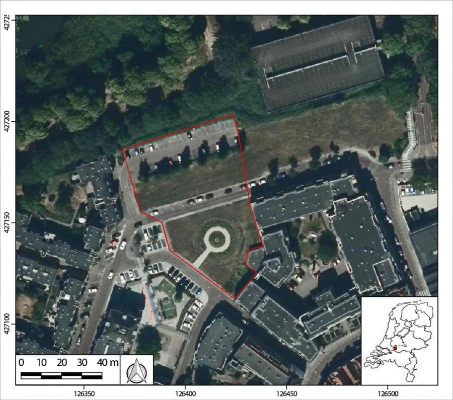 Luchtfoto met het onderzoeksgebied in rood omkaderd