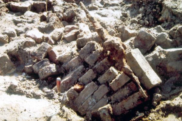 kasteel opgraving muurresten